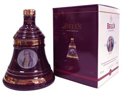 Picture of Bell's Decanter Christmas  2002 James Watt 40% vol.