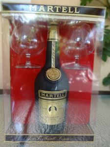 Picture of Martell VSOP Medaillon 0.7l 40% vol. with two glasses